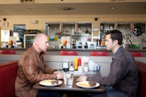 bruce-willis-and-joseph-gordon-levett-in-looper
